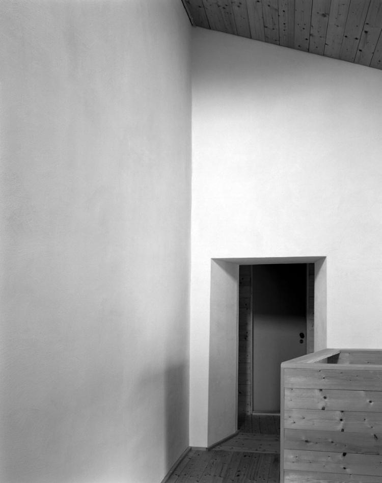 archaic_SergisonBates_Monte-Castel-San-Pietro6.jpg