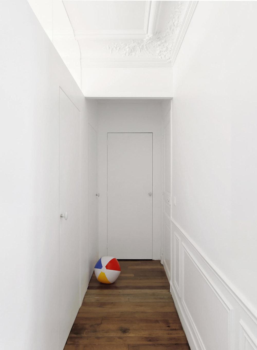 archaic_nicolasdorval_apartment_20.jpg