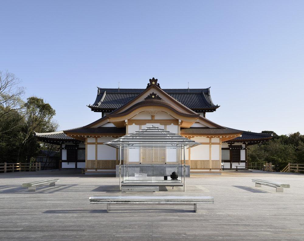 archaic_TokujinYoshioka_GlassHouse_1.jpg
