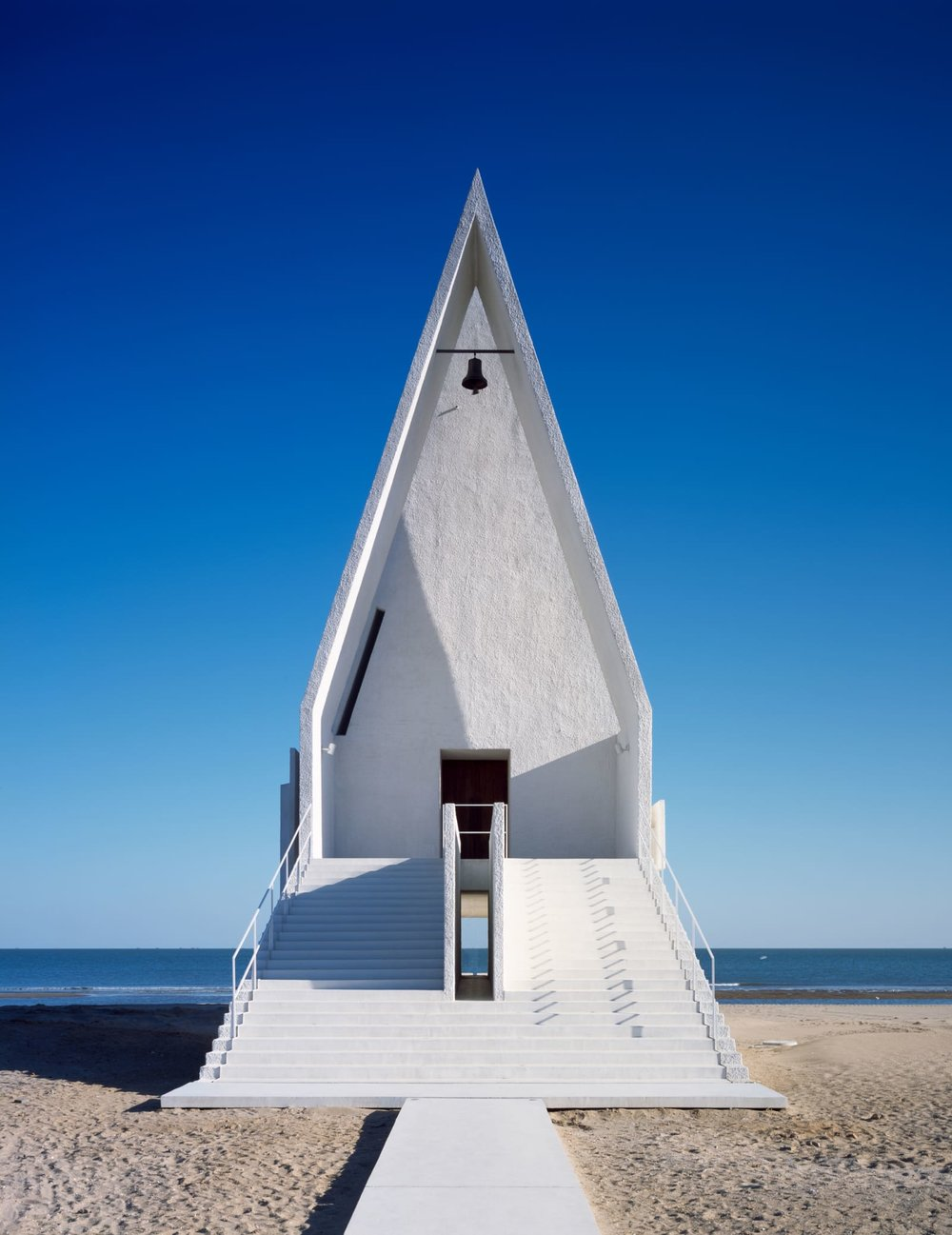 archaic_VectorArchitects_SeashoreChapel_4.jpg