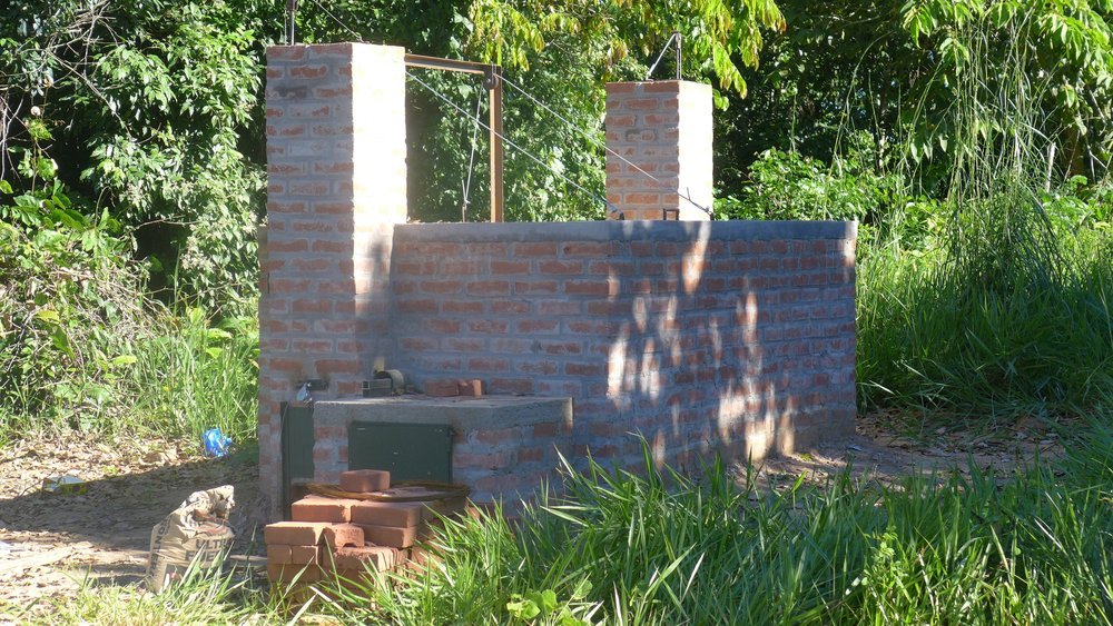 The Madre de Dios region's first Adam Retort oven is at the Camino Verde La Joya Nursery.