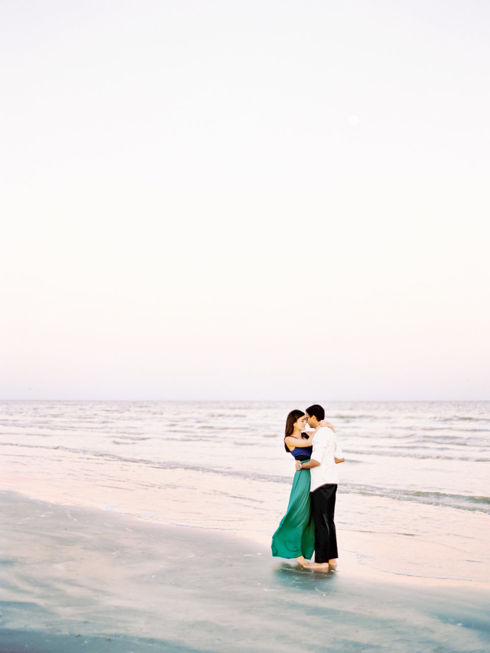 Divya Pande Photography Beach Engagement-5.jpg