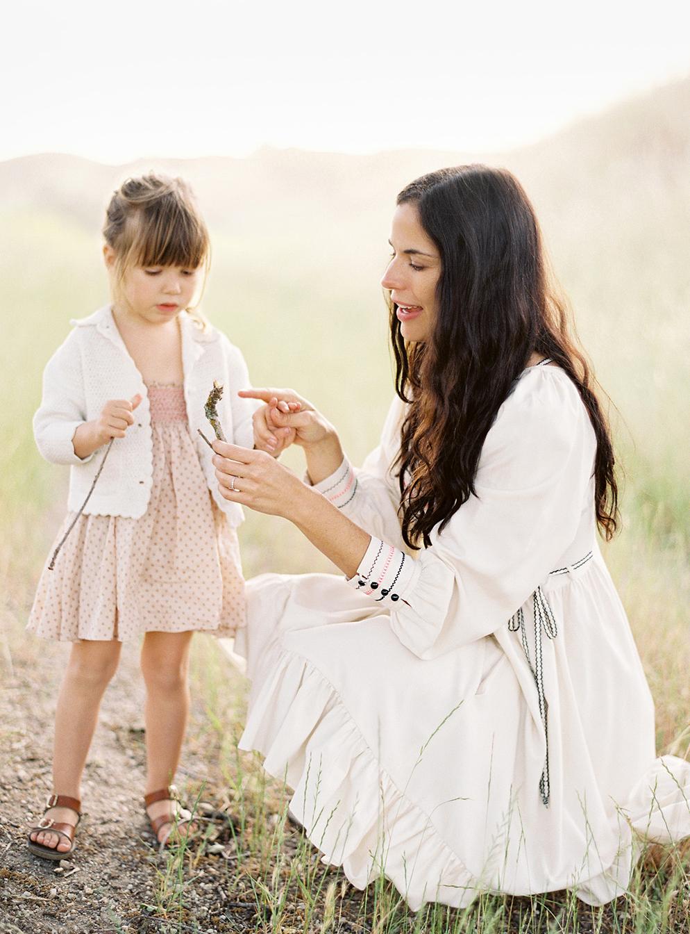 06_daughter-mother-portraits-552x750@2x.jpg