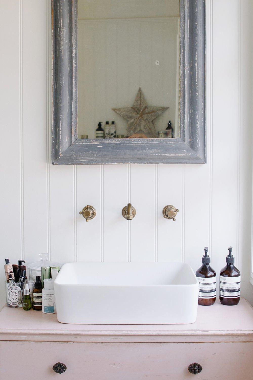 rvk_loves Bath Room — Coco Lane