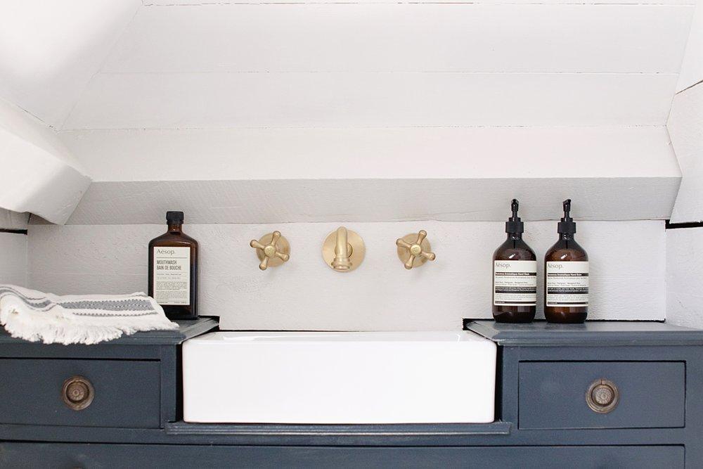 coco-lane-rvk-loves-master-bedroom-home-tour_0010.jpg