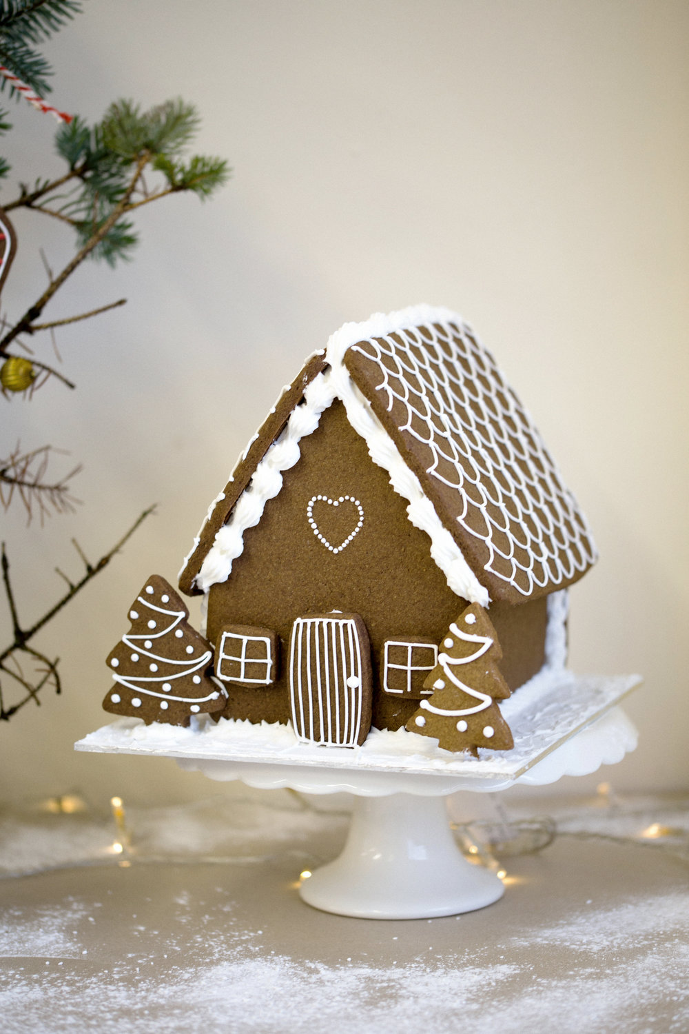 coco-lane-gingerbread-house