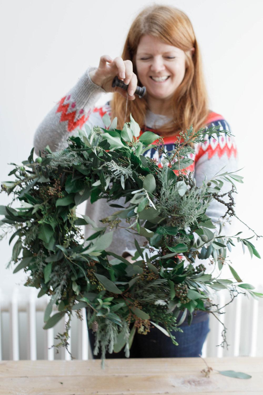 claire-graham-photography-wreath-tutorial-39.jpg