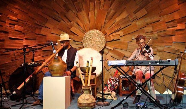 DUO VIDA featuring the earth rhythms of Abasi Ote and Teresa Aruzza on the main stage.