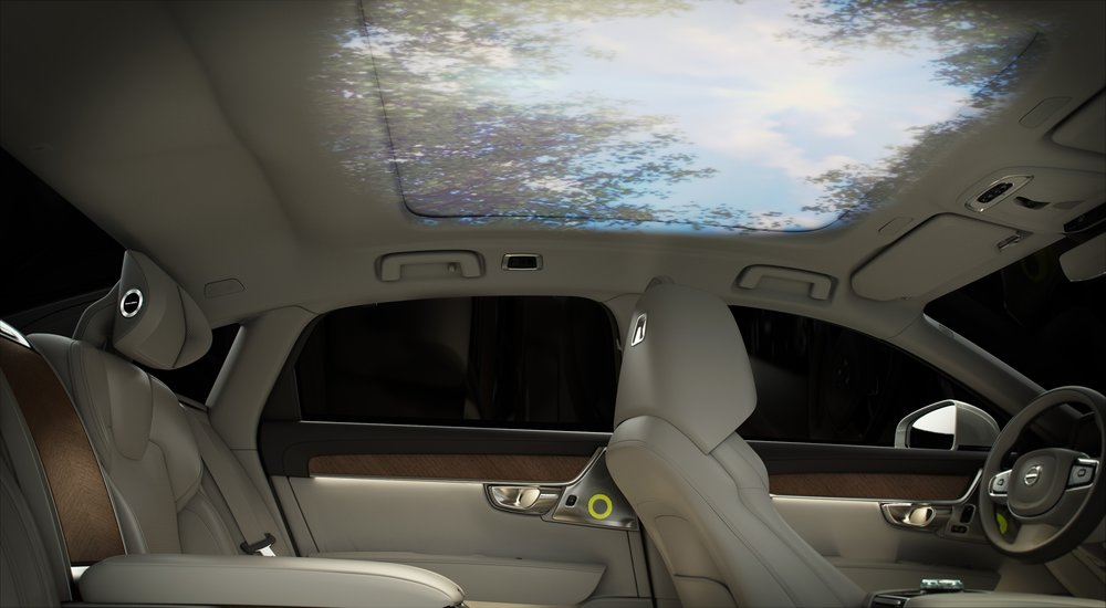 Tech-lovers rejoice! Passengers can personalise the car's atmosphere by using the intuitive smartphone app to choose one of seven visual themes synchronised with audio and scent.