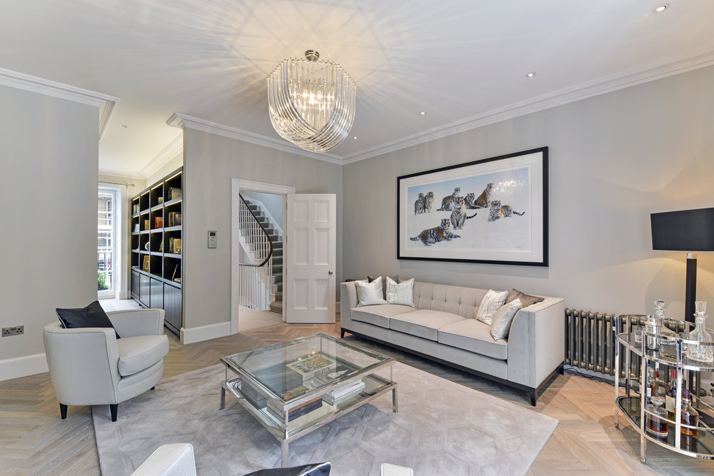 6 bedroom town house with lift for sale in Mayfair W1J