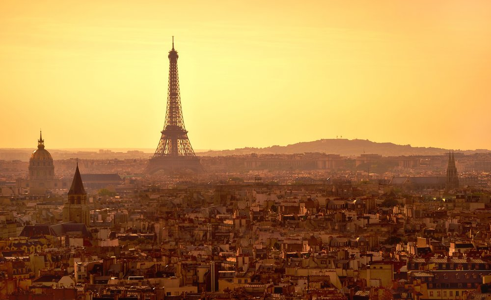 Paris,_sunset_panorama_from_top_of_Notre_Dame_cathedral,_September_2010.jpg