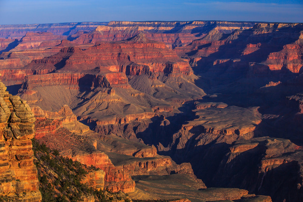 Dawn_on_the_S_rim_of_the_Grand_Canyon_(8645178272).jpg
