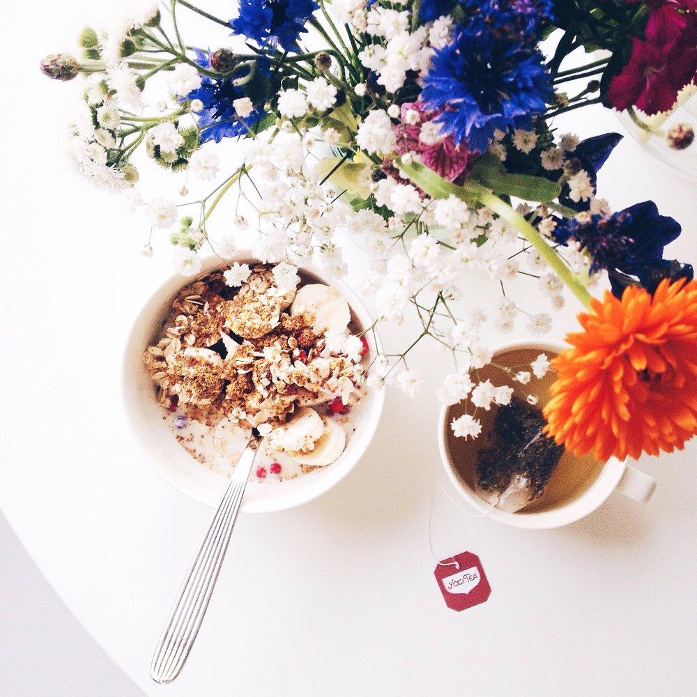 Vegan Breakfast and flowers