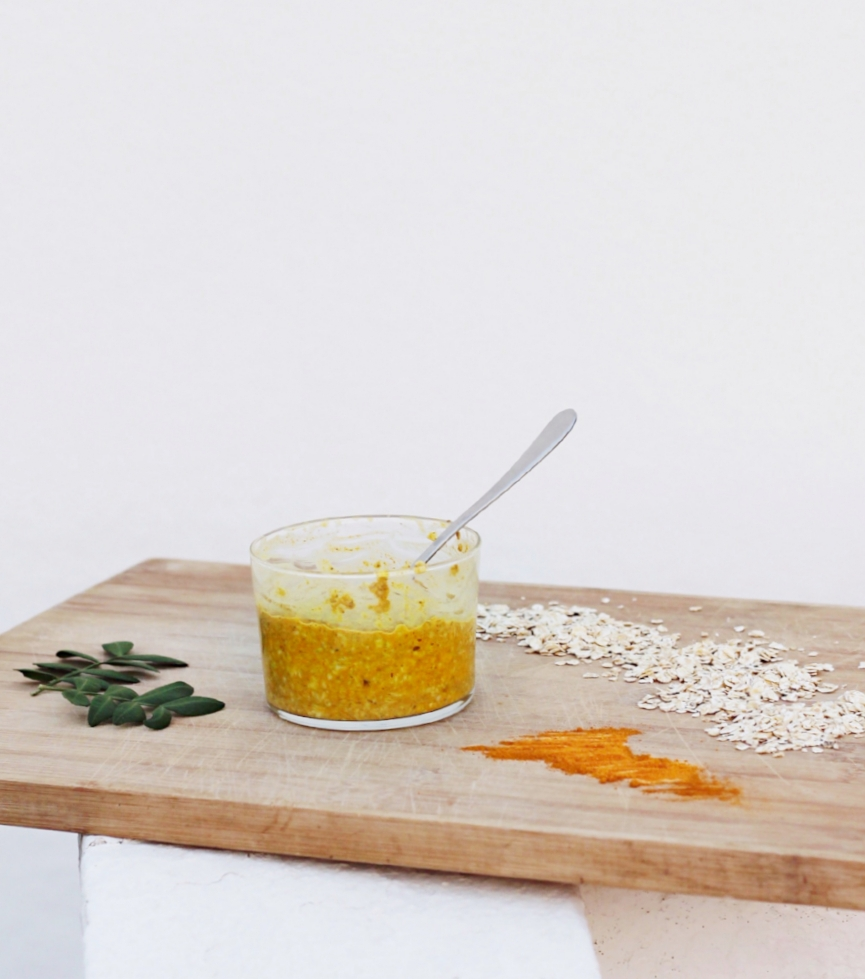 DIY turmeric and oat face mask