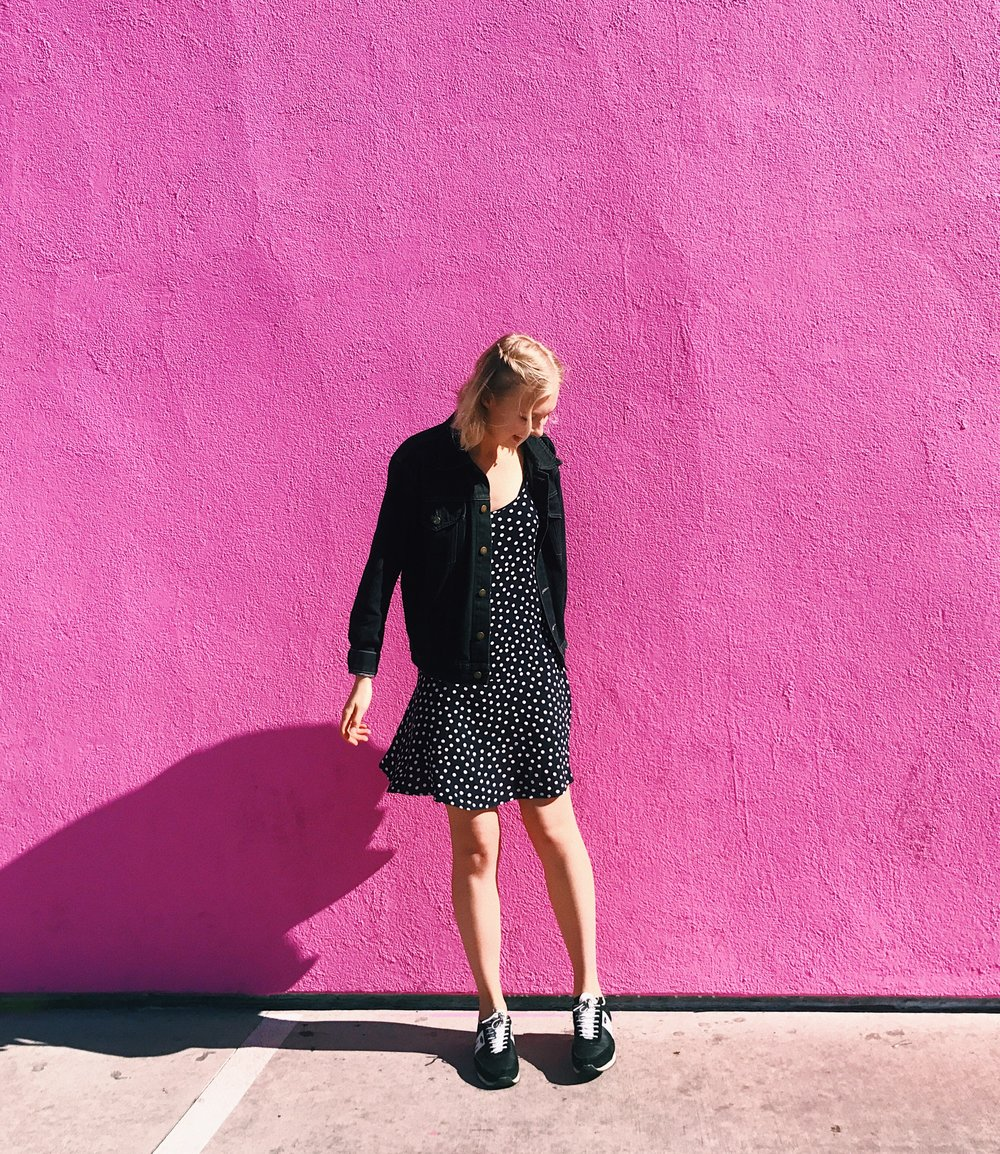 The Pink Wall, Los Angeles