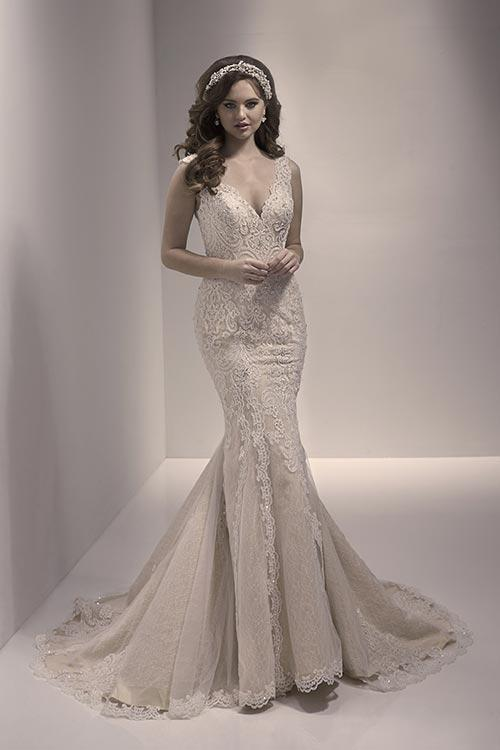 40% off sample gown- Now $882.00 - Was $1470.00Size- 10IvoryDesigner- JBStyle# 110211