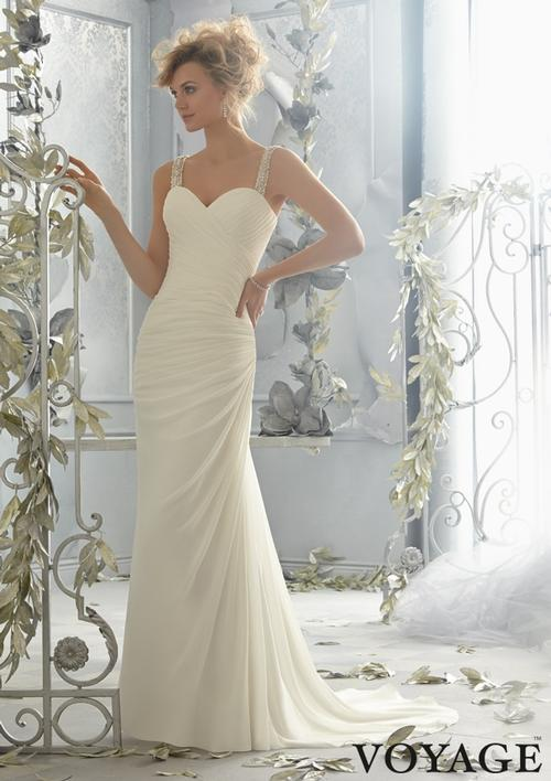 40% off sample gown- Now$480.00 - Was $800.00Size- 10Ivory SilverDesigner- VoyageStyle# 11DE19