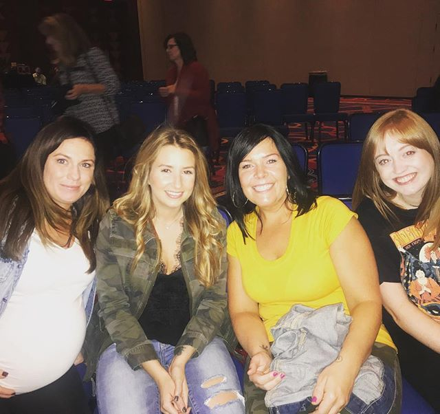 Stylists Jill Sam Amy and Jillian at the Evolve live show! #education #partnerswithevolve #mohegansun