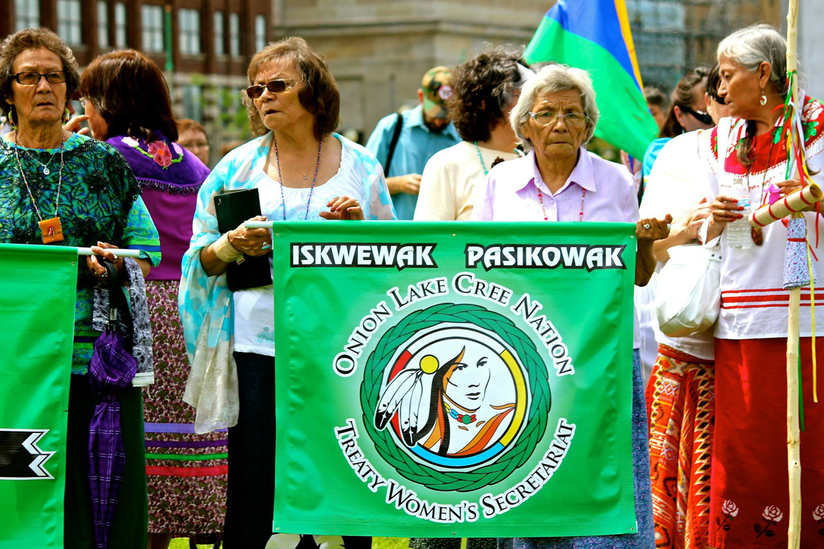 Iskewak Pasikowak (women rising up) in Ottawa on June 18th, 2014 Photo: Clayton Thomas-Muller