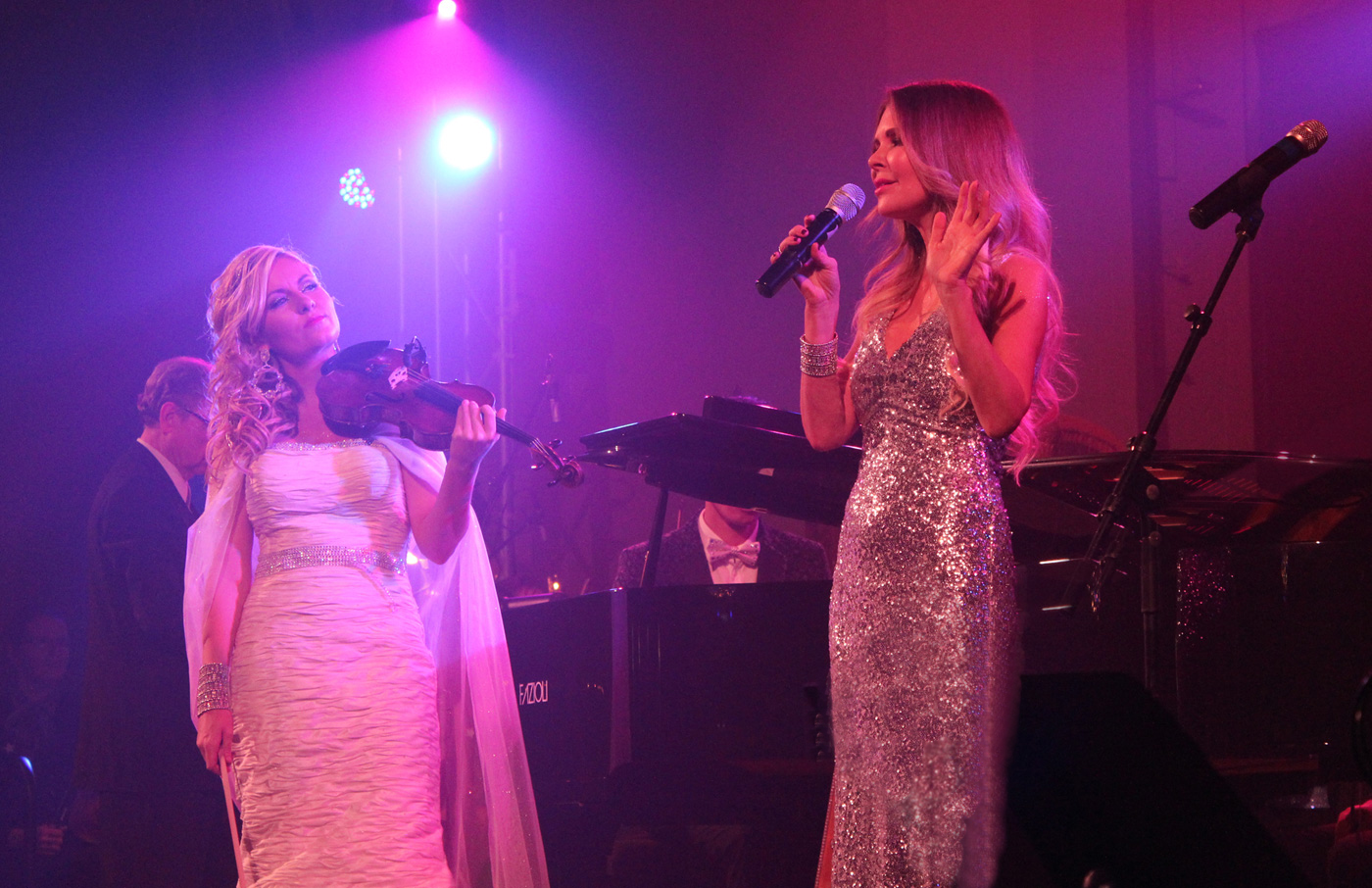 Mary Zilba sings Ave Maria (Photo: Robbin Whachell)