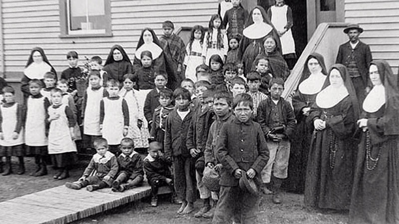 Canada-Rez-schools