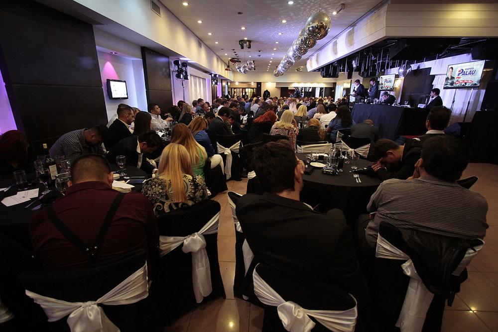 cena con empresarios y profesionales (39).JPG