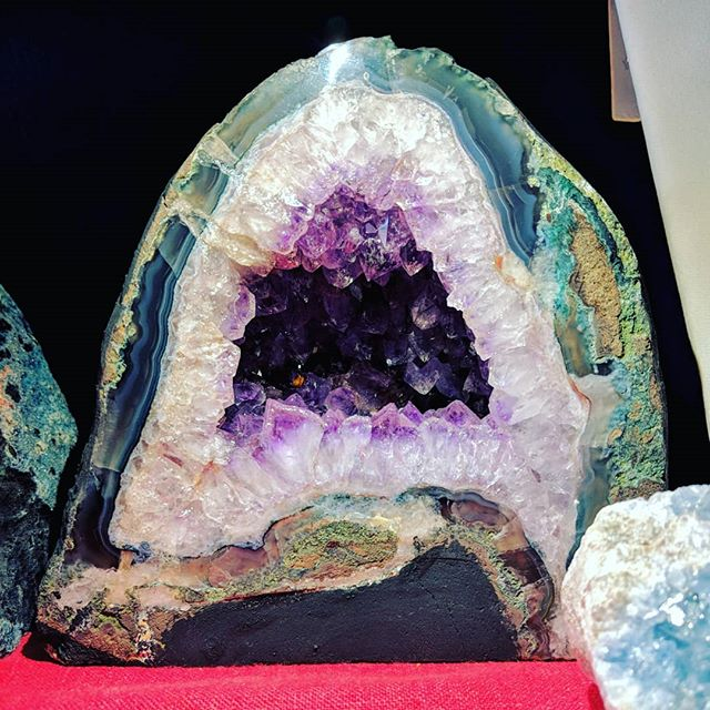 Gorgeous amethyst crystal desktop cave! 😍  Need to charge and cleanse your jewelry?  Simply place it inside the mouth of this lovely cave, and let the gentle healing vibration of amethyst charge and clear your jewelry.  Need a feng shui fix for the spiritual growth and wealth areas of your home?  This cave is an amazing corrector.  Plus, it's just lovely. 💖  #crystal #crystalsforsale #crystalgems #crystals #gemstones #gemstone #gem #geode #fengshui #fengshuilifestyle #fengshuitips #healing #healer #cultureshop #cultureshopping #pittsburghpa #pittsburgh #coraopolispa #coraopolis #bellevuepa #yinz #yinzer #yinzers #yinztagram #ilovepgh #lovepgh #alleghenycounty #beavercounty