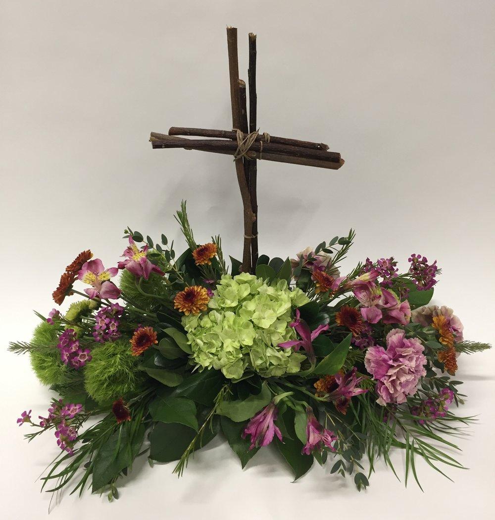 Sympathy lavender blue floral artistry sympathy floralwest des moinescross arrangementfuneral service izmirmasajfo