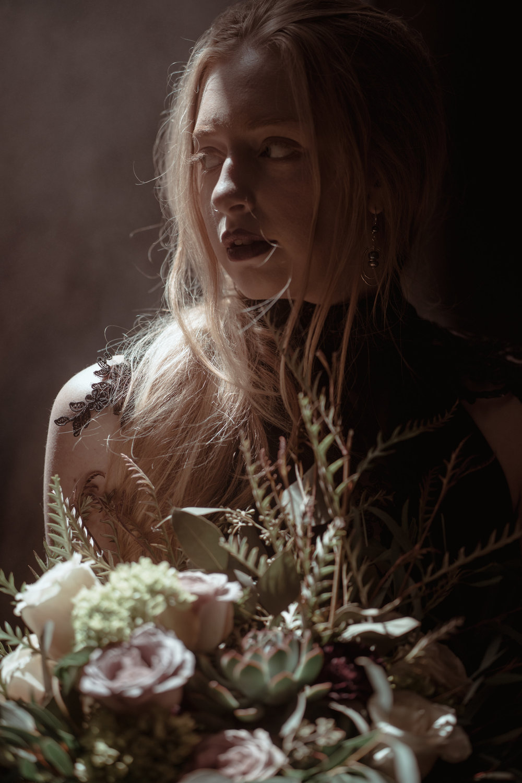 Gothic Wedding|Lavender Blue Floral|Des Moines Wedding florist|Iowa wedding photo shoots|Iowa creative weddings