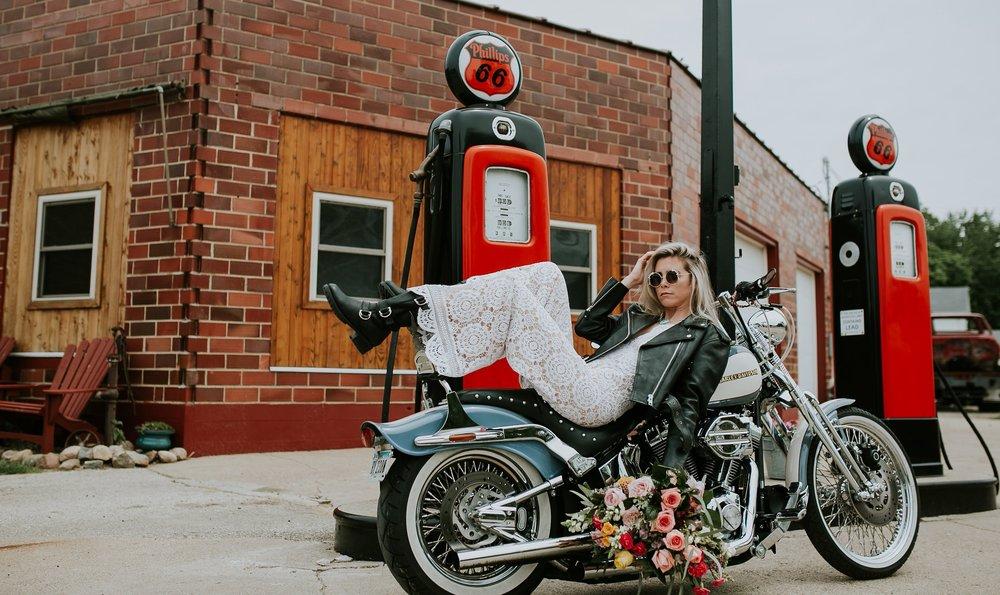 road-trip-romance-wedding-raelyn-ramey-photography-102.jpg