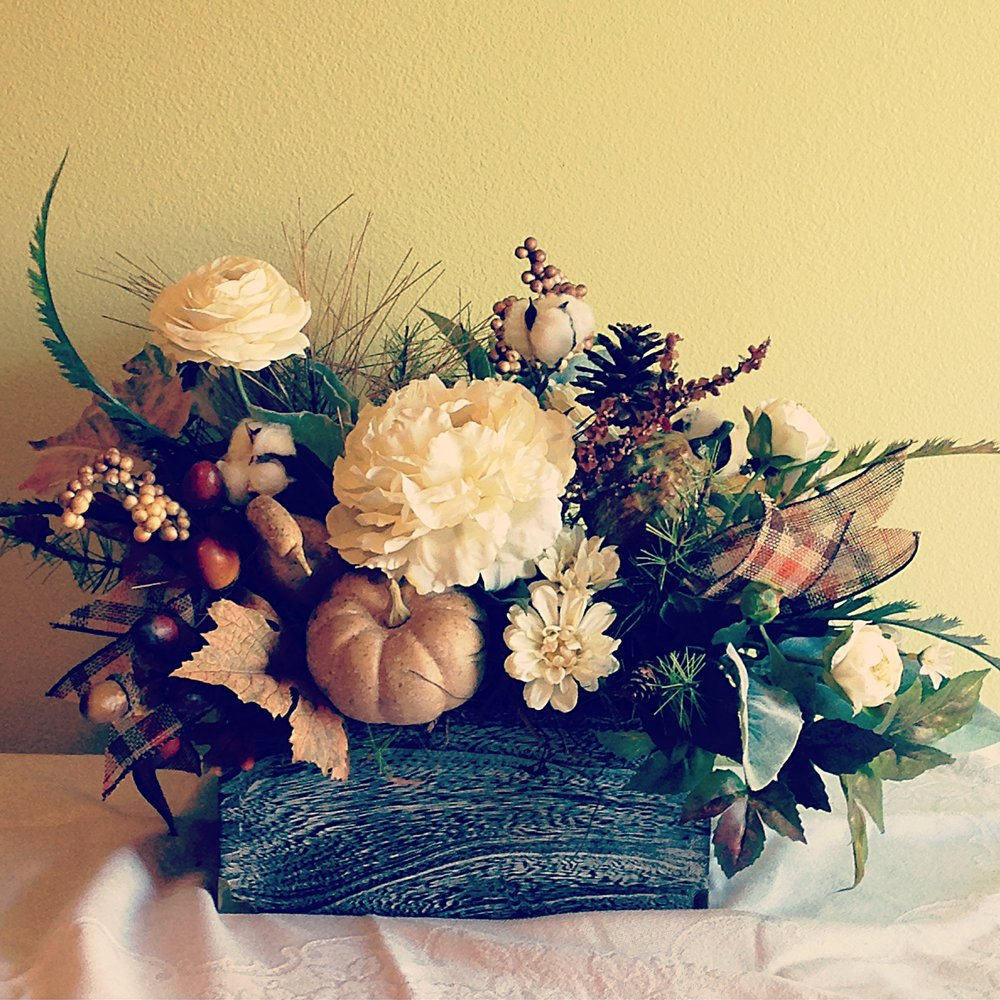 Fall Farmhouse Chic Flower Arrangementlavender Blue Floral