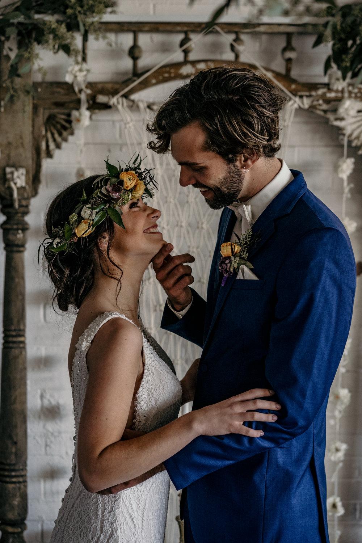 des moines-weddimg-flower-crown-des moines-wedding-florist-boho-weddings