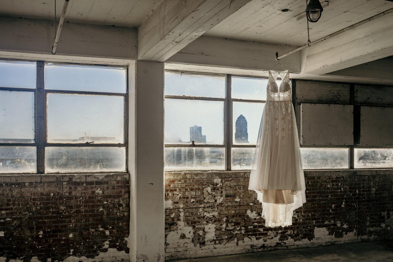 iowa_wedding_dresses_desmoines_wedding_florist_boho_wedding_dress
