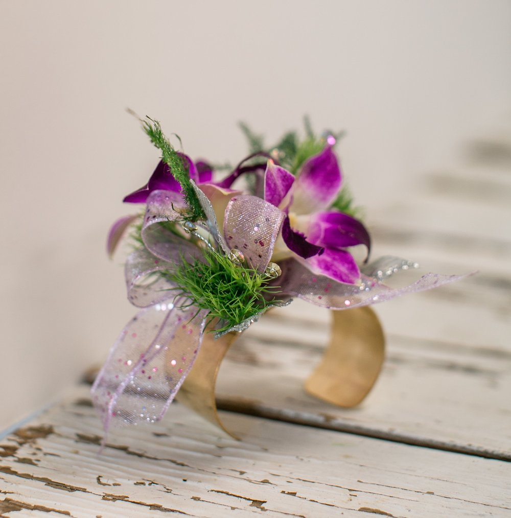 LAV-BLUE-des-moines-prom-flowers-23.jpg