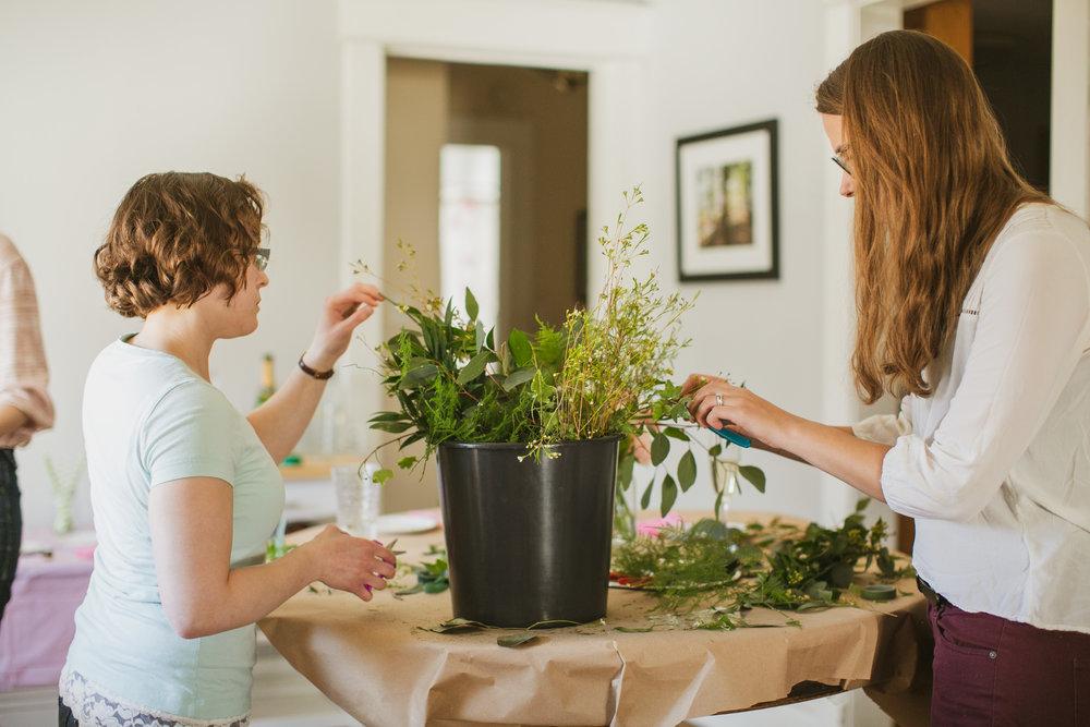 flower arranging party West Des Moines florists