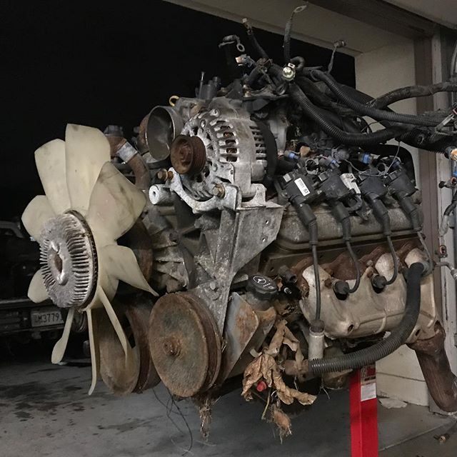 Junkyard hunting... this 6.0 has big things in store. What would you put it in? Low buck turbo build? High end NA bruiser? Stay tuned 😎 . . . . . #engine #enginebuilding #chevy350 #machined #customengine #oldschool #erm #racing #racingengines #motor #hotrod #builtnotbought #summitracing #enginemasters #lsengines #machining #enginerebuilding #engineporn #motorsports #machineshop #americanmuscle #LS #workflow #smallblock #bigblock #chevy #ford #classic #cratemotor #LSX