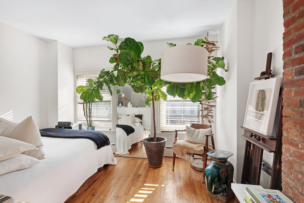 $1,850/month 0 BD | 1.0 BA | 300 SF  Fort Greene  304 Cumberland Street