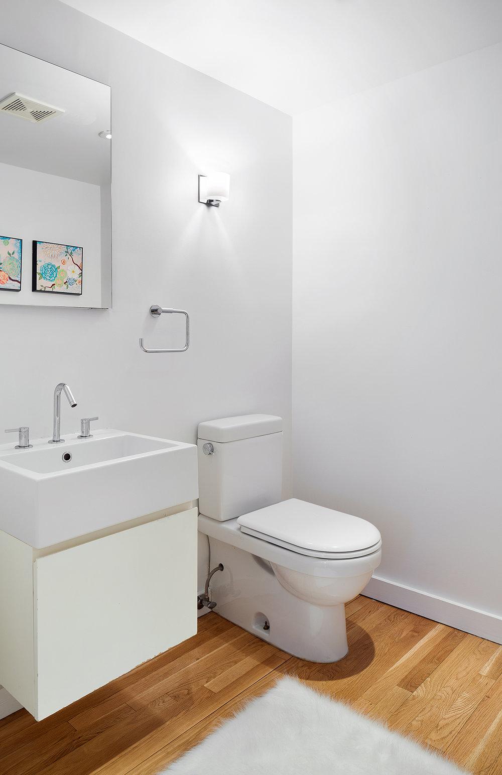 81 Adelphi Street Bathroom.jpg