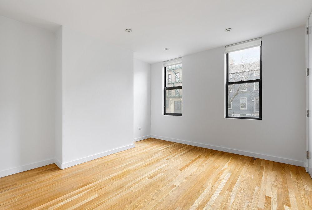 81 Adelphi Street small bedroom.jpg