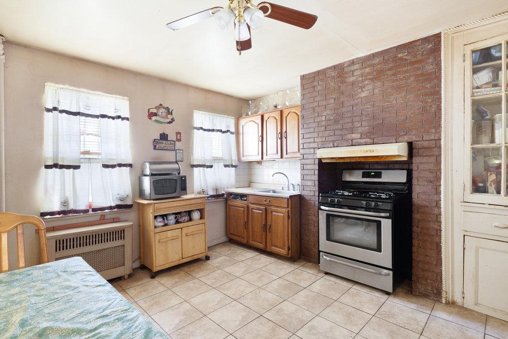 156 Macdonough Street Kitchen.jpg