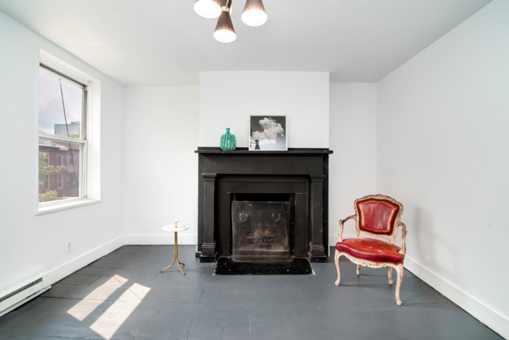 70 Adelphi Street 1840 Fireplace.png