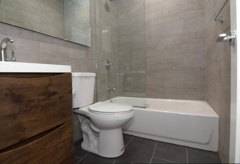 171 Adelphi Street Second Bathroom Angle.JPG