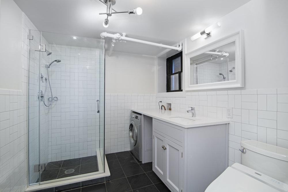 289 Washington Bathroom.jpg