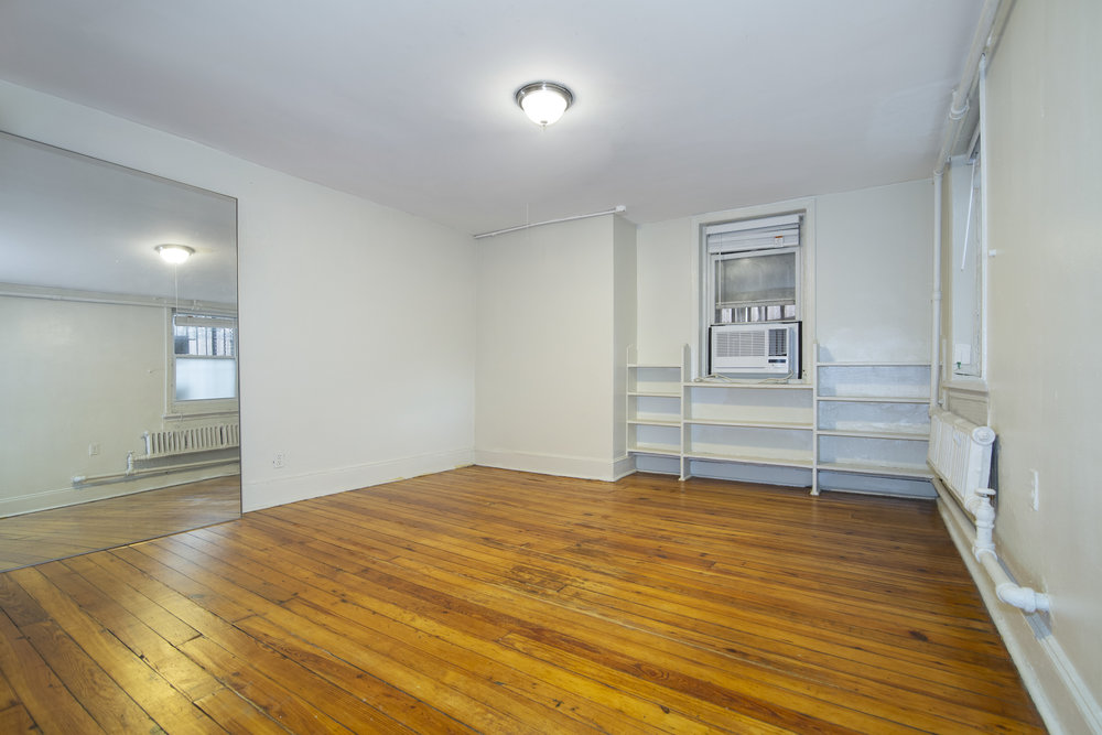 $1,750/month 0.5 BD | 1.0 BA | 489 SF  Clinton Hill  278 Clinton Avenue