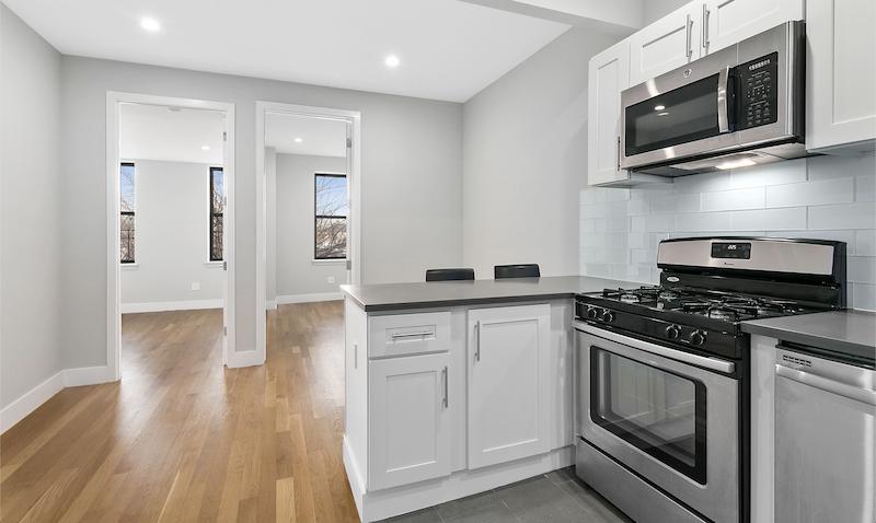$2,400/month  3.0 BD | 1.0 BA  Bedford Stuyvesant    215 Ralph Avenue Apt. 3L