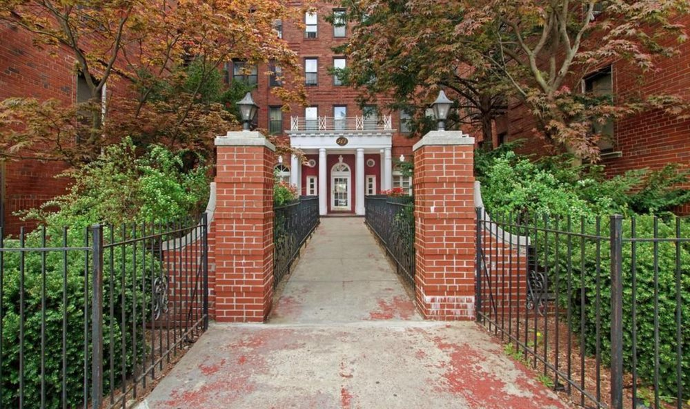 $485,000  1.0 BD   1.0 BA   700 SF  Crown Heights    960 Sterling Place      Sold