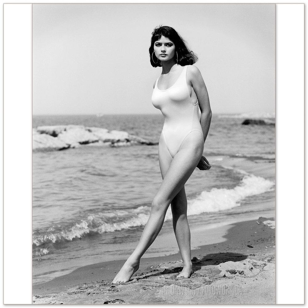 Jill Hennessey -