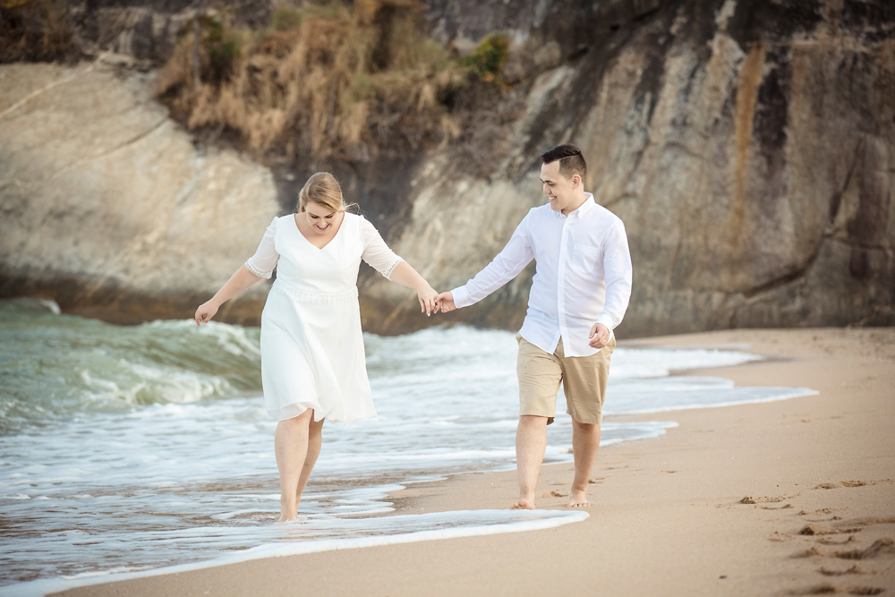 Couple Photo Session at Sai Noi Beach in Khao Tao