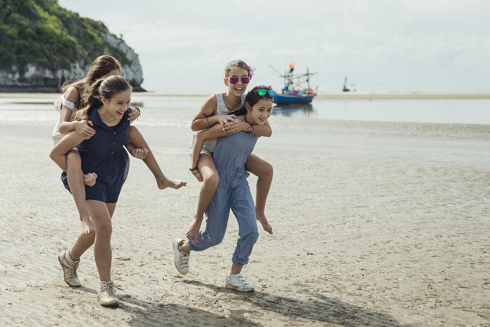 Day-Beach-Family-10.jpg