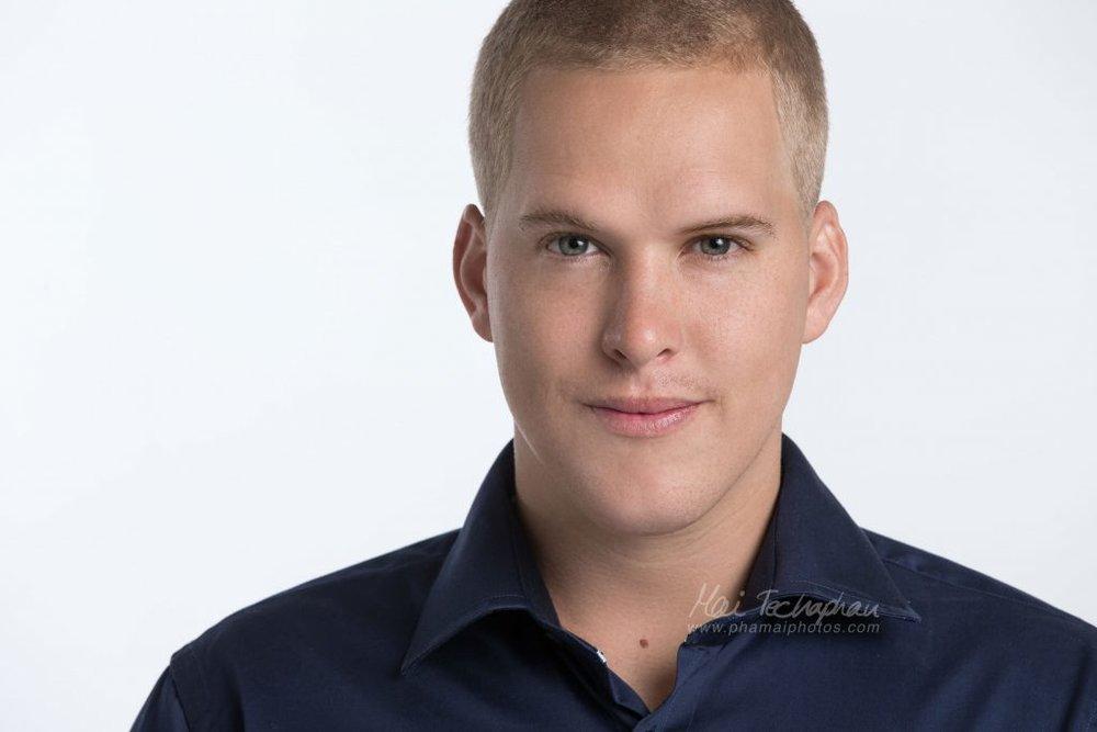 Sean-Portrait-Headshot-3.jpg